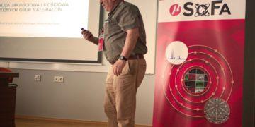 Prof. Michał Żelechower - świetny wykład o żelaznych podstawach mikroanalizy.