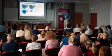 Felix Reinauer - EDAX - wykład o stanie techniki EDS i WDS